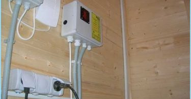Come rendere l'elettricità entrare in una casa privata con le proprie mani